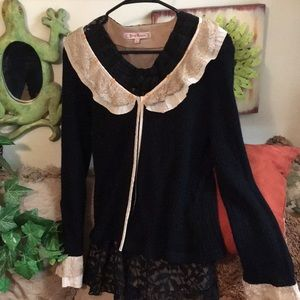 Amazingly beautiful light cardigan sweater so soft
